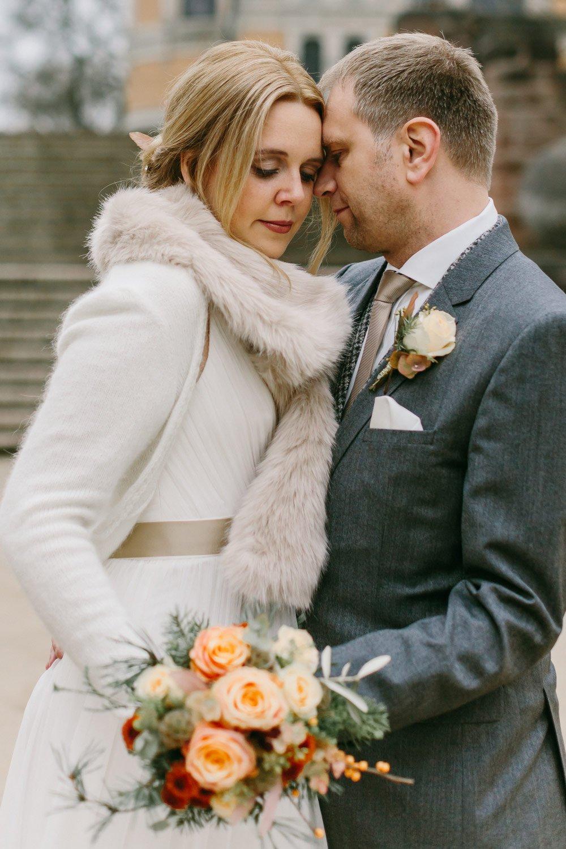 Die-Winter-Hochzeit-von-Johanna-und-Ronny-mit-Hochzeitsfotografin-Irene-Fiedler-20