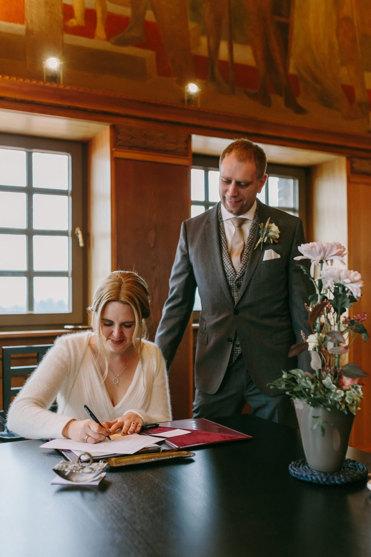 Die-Winter-Hochzeit-von-Johanna-und-Ronny-mit-Hochzeitsfotografin-Irene-Fiedler-31