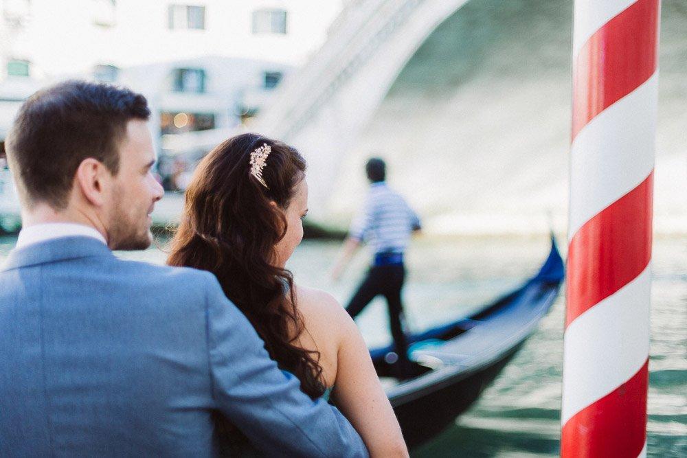 Das-Verlobungs-Fotoshooting-in-Venedig-von-Franziska-und-Janes-35
