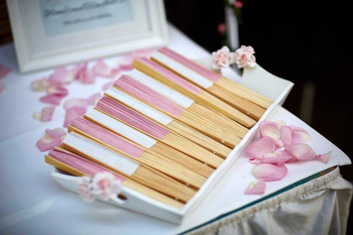 Fächer zur Hochzeit – Als Abkühlung für das Brautpaar und der Gäste