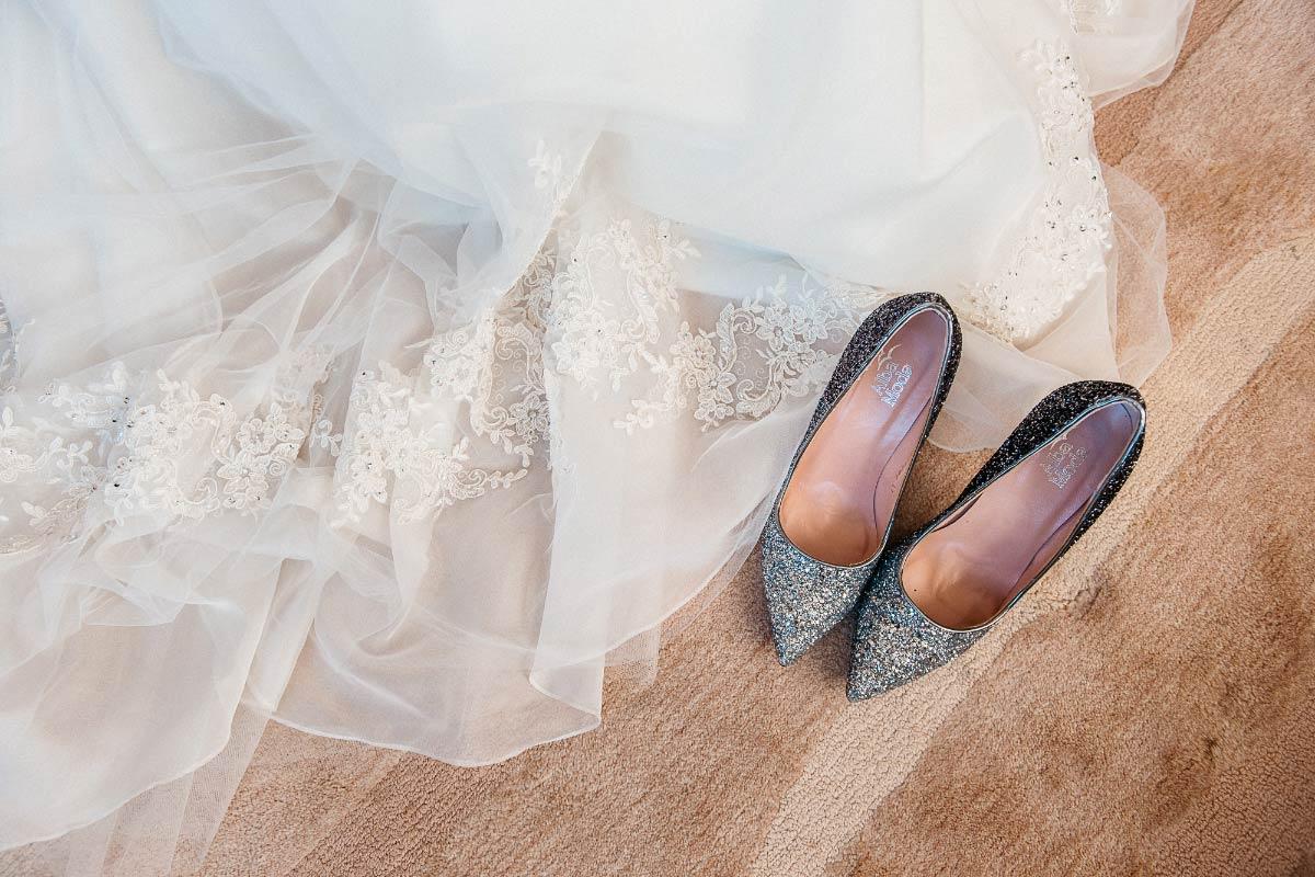 Farbige Brautschuhe für den Tag der Hochzeit