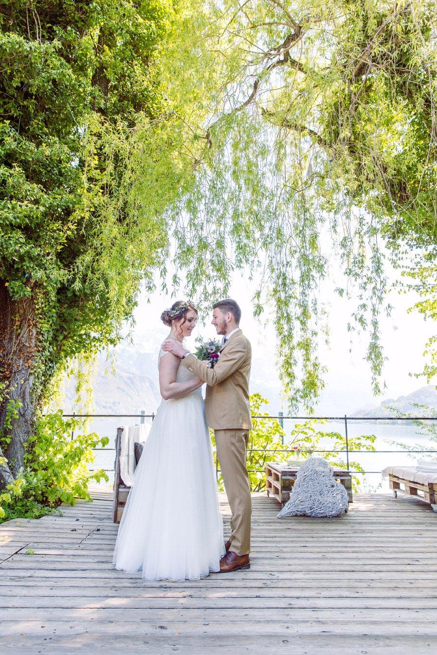 Hochzeit-am-Walensee-in-der-Schweiz-mit-Alpen-Panorama-13