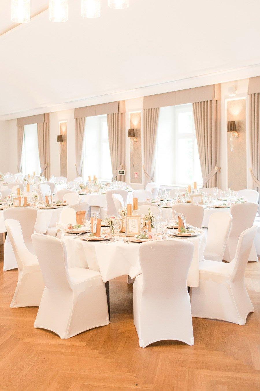 Die-traumhafte-Hochzeit-in-Schloss-Ovelgoenne-von-Anni-und-Andreas-30