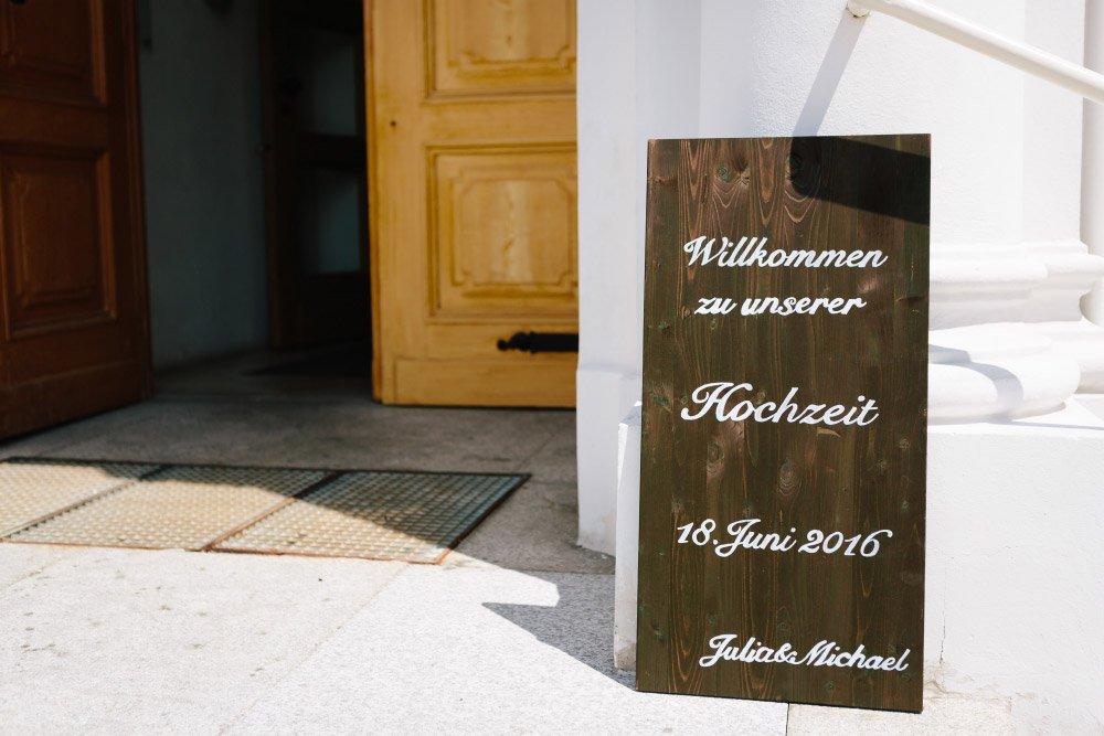 Kirchliche-Hochzeit-in-der-Kaasgrabenkirche-mitten-in-Wien-15