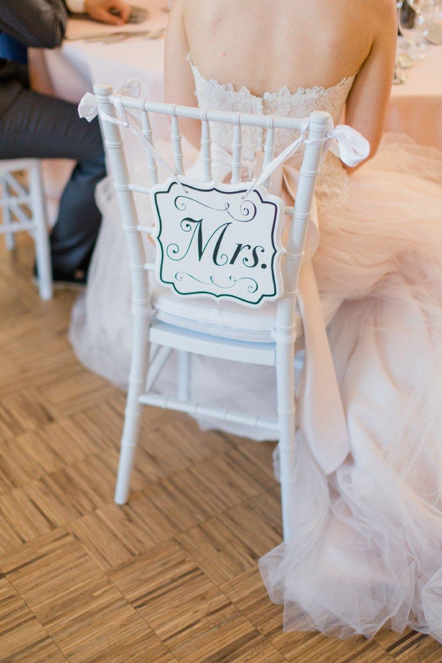 Stuhlschild der Braut