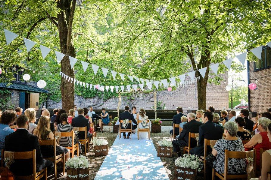 Hof Hochzeit von Nicolina und Jürgen mit freier Trauung
