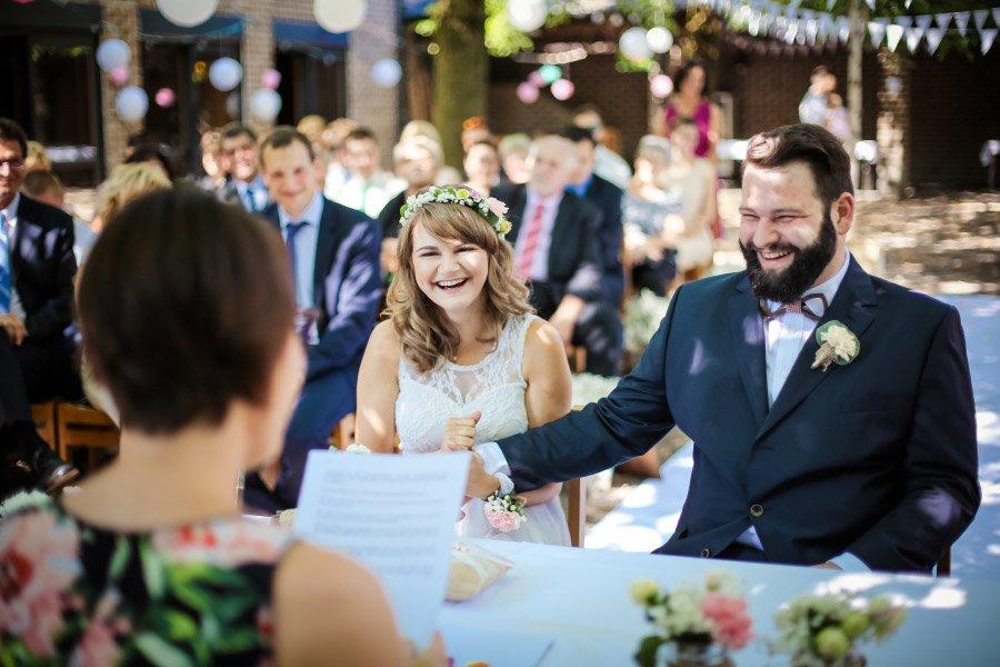 Hof-Hochzeit-von-Nicolina-und-Juergen-mit-freier-Trauung-18