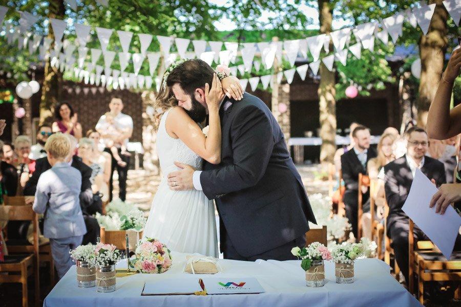 Hof-Hochzeit-von-Nicolina-und-Juergen-mit-freier-Trauung-20
