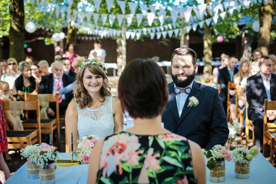 Hof-Hochzeit-von-Nicolina-und-Juergen-mit-freier-Trauung-21