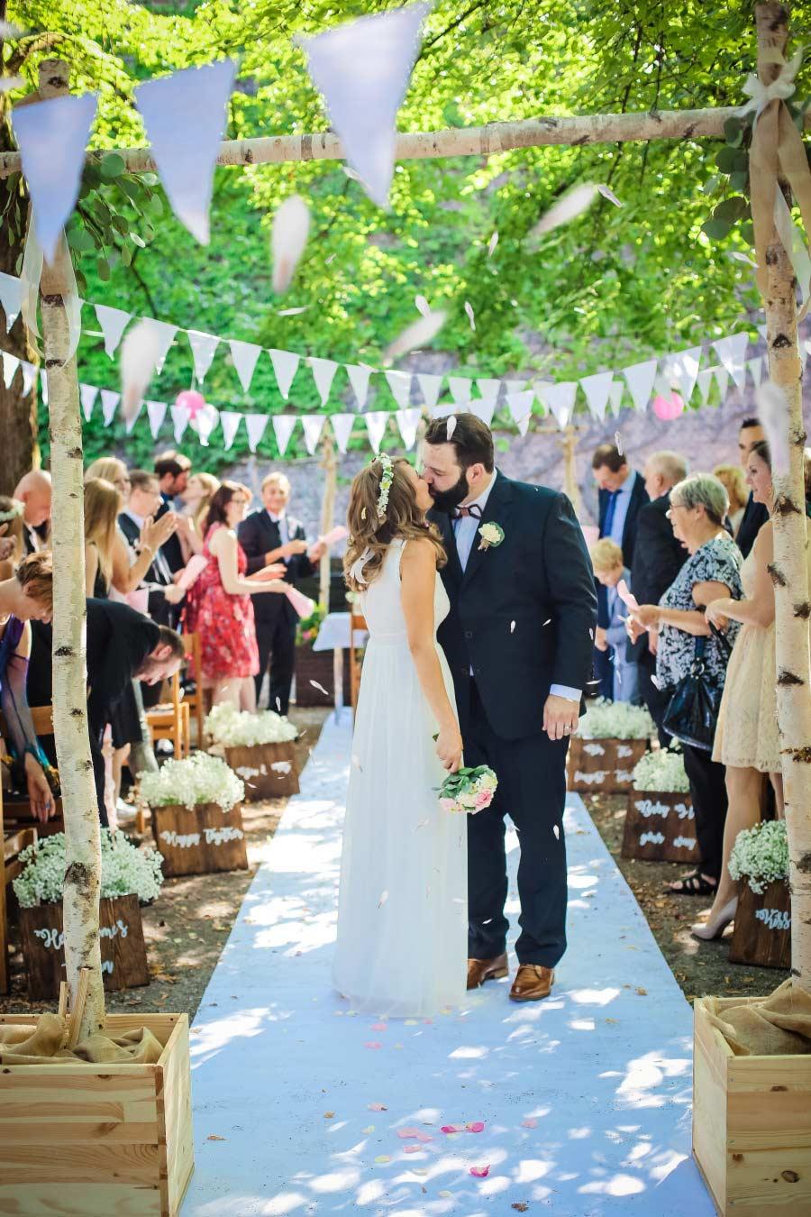 Hof-Hochzeit-von-Nicolina-und-Juergen-mit-freier-Trauung-25