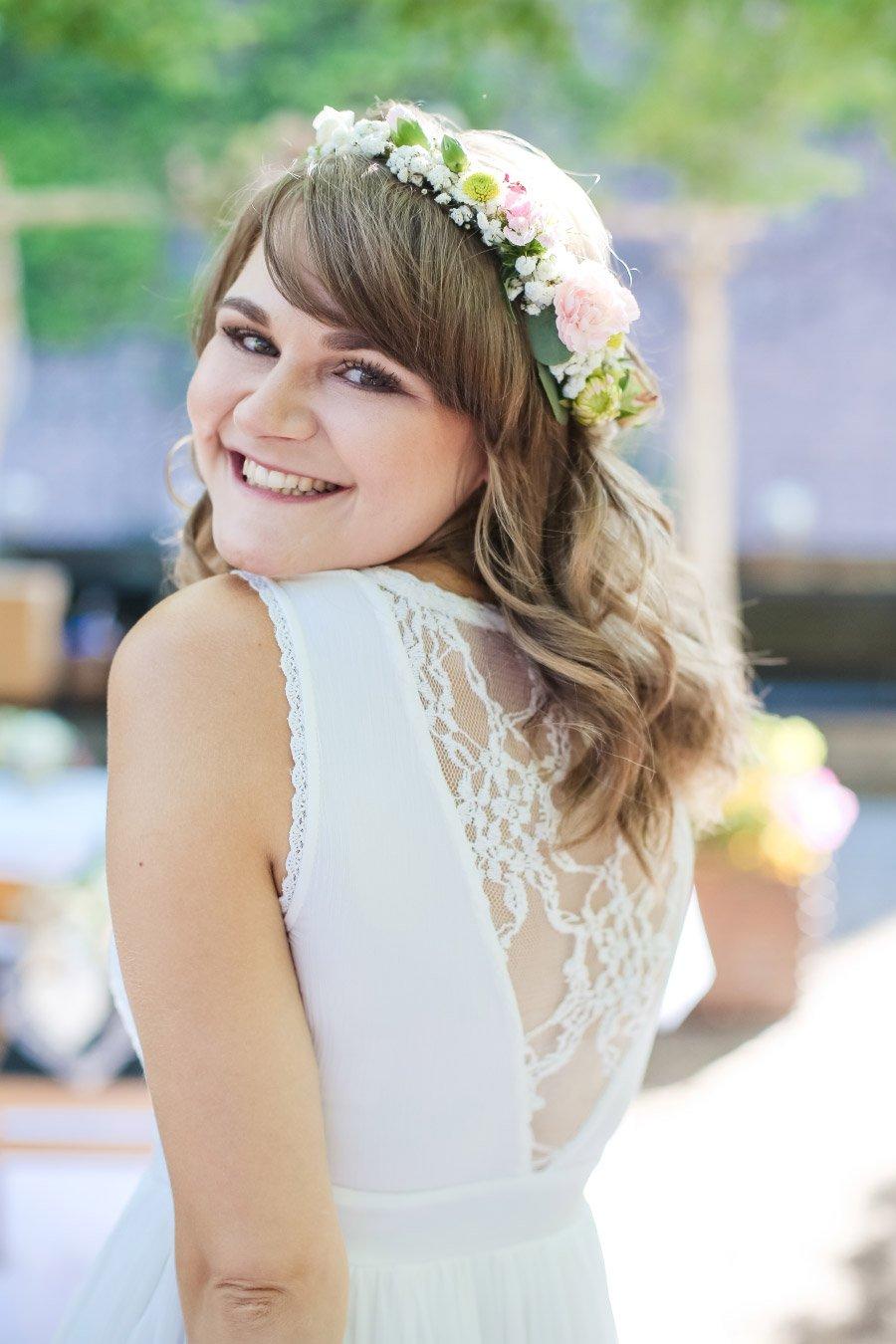Hof-Hochzeit-von-Nicolina-und-Juergen-mit-freier-Trauung-29