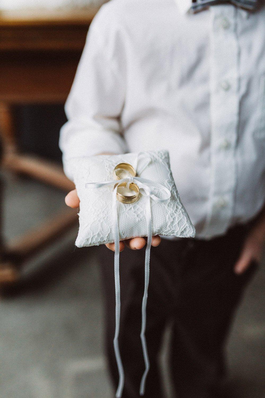 Wintermaerchen-Eine-Hochzeit-in-Gold-Gruen-und-Marone-17