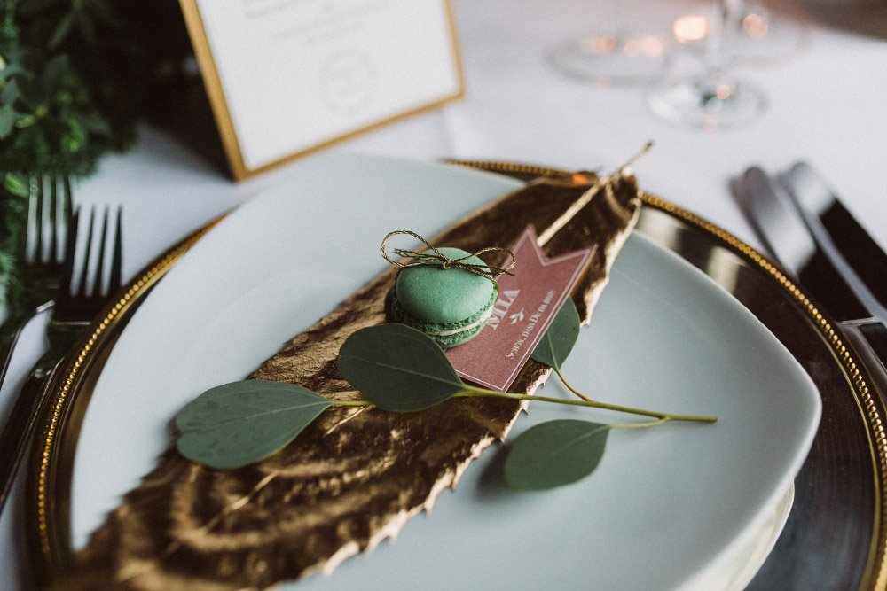 Wintermaerchen-Eine-Hochzeit-in-Gold-Gruen-und-Marone-18