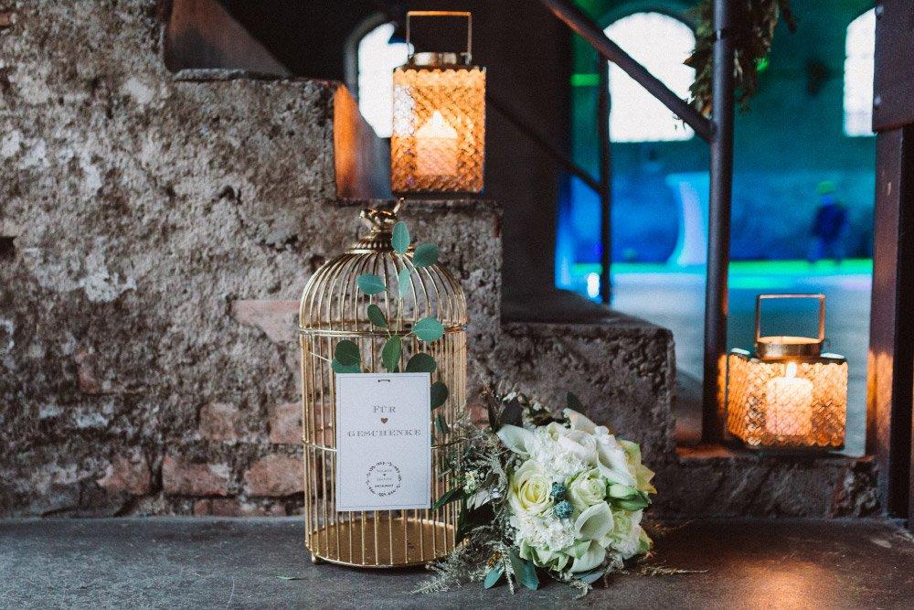 Wintermaerchen-Eine-Hochzeit-in-Gold-Gruen-und-Marone-32