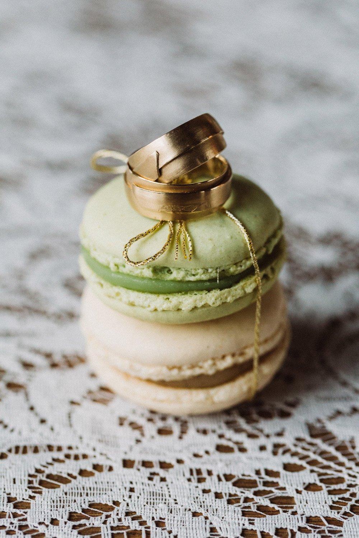 Wintermaerchen-Eine-Hochzeit-in-Gold-Gruen-und-Marone-9