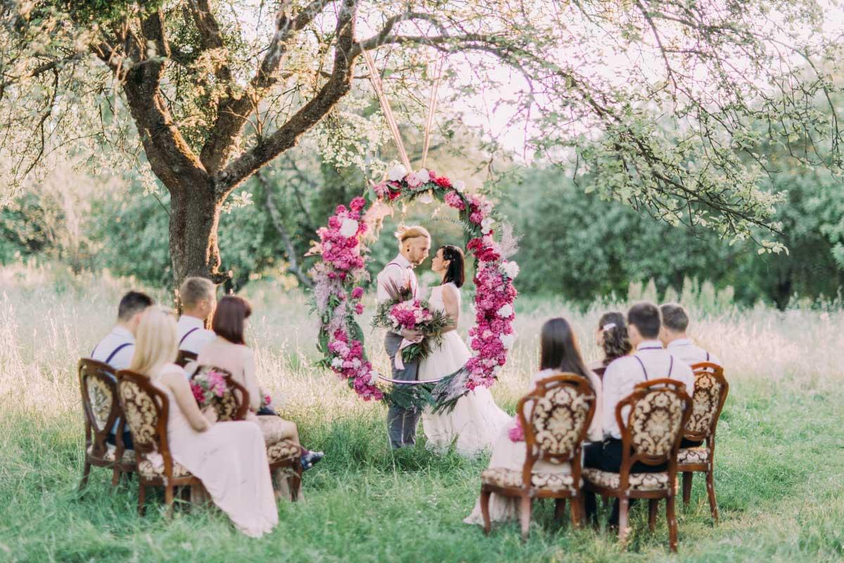 Die 50 hübschesten Hochzeitskränze zur Deko bei der Hochzeit