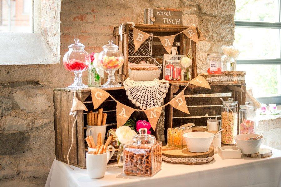 Candybar mit Holzkisten