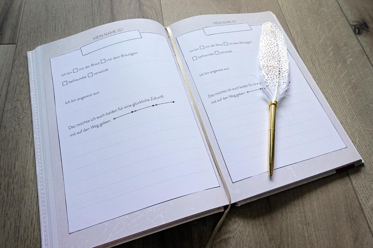 Gästebuch mit fertigen Fragen zur Hochzeit