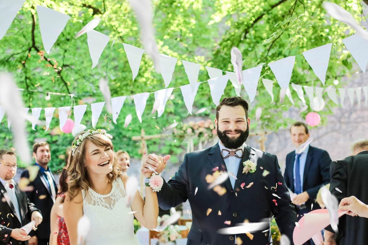 Hof-Hochzeit von Nicolina & Jürgen mit freier Trauung