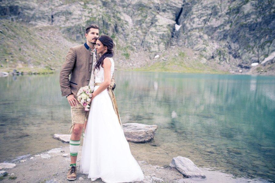 Traditionell In Tracht Hochzeit Im Wunderschonen Tirol