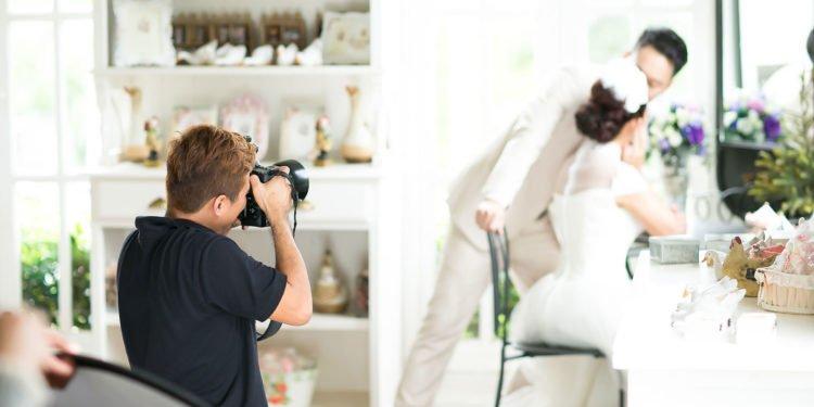 Unterschied Hobbyfotograf & richtiger Hochzeitsfotograf: So groß ist er!