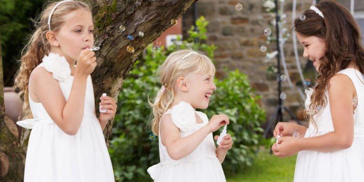 10 Ideen um Kinder bei der Hochzeit zu beschäftigen