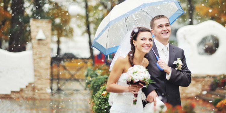 10 Tipps für eine regnerische Hochzeit: So ist Regen kein Problem mehr!