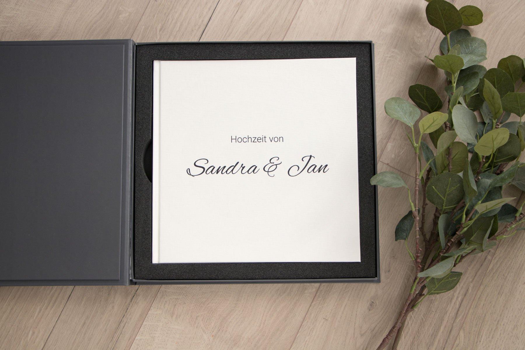 Erfahrungsbericht Saal Digital: Fotobuch mit Hochzeitsfotos in Geschenkbox