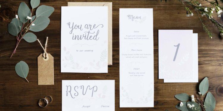 Hochzeit ohne Kinder: So könnt ihr es in der Einladung formulieren