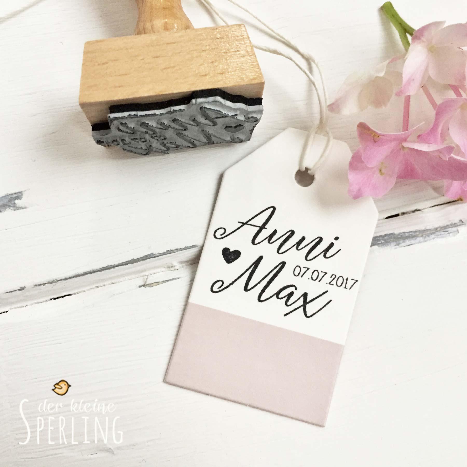 Stempel zur Hochzeit: Namen von Braut und Bräutigam