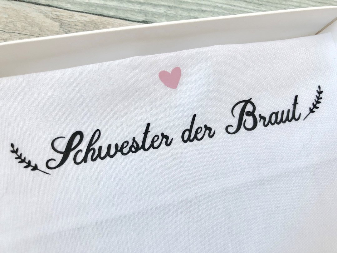 Stoff-Taschentuch als Geschenk für die Schwester der Braut