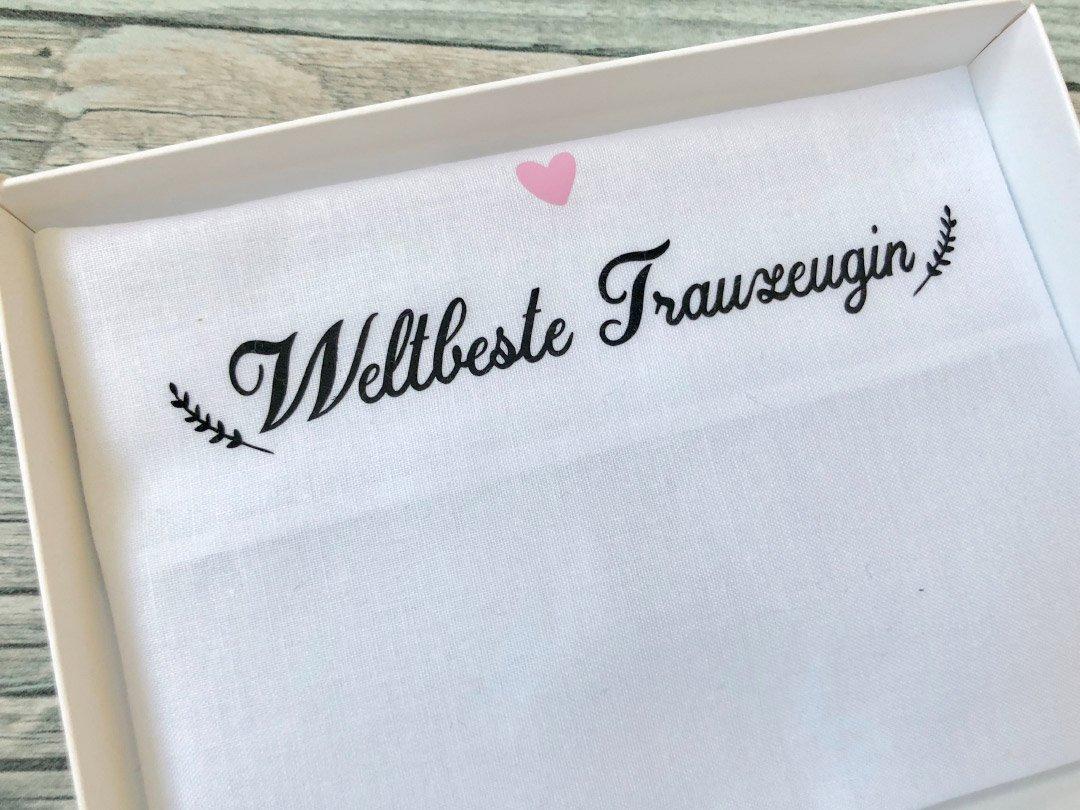 Stoff-Taschentuch als Geschenk für die Trauzeugin