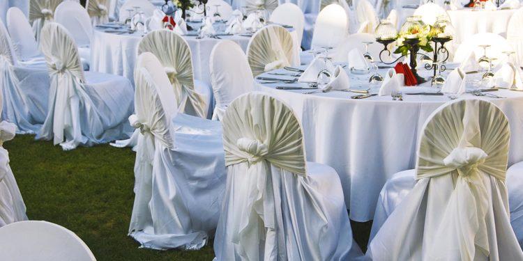 Stuhlhussen für die Hochzeit: Hier könnt ihr sie kaufen