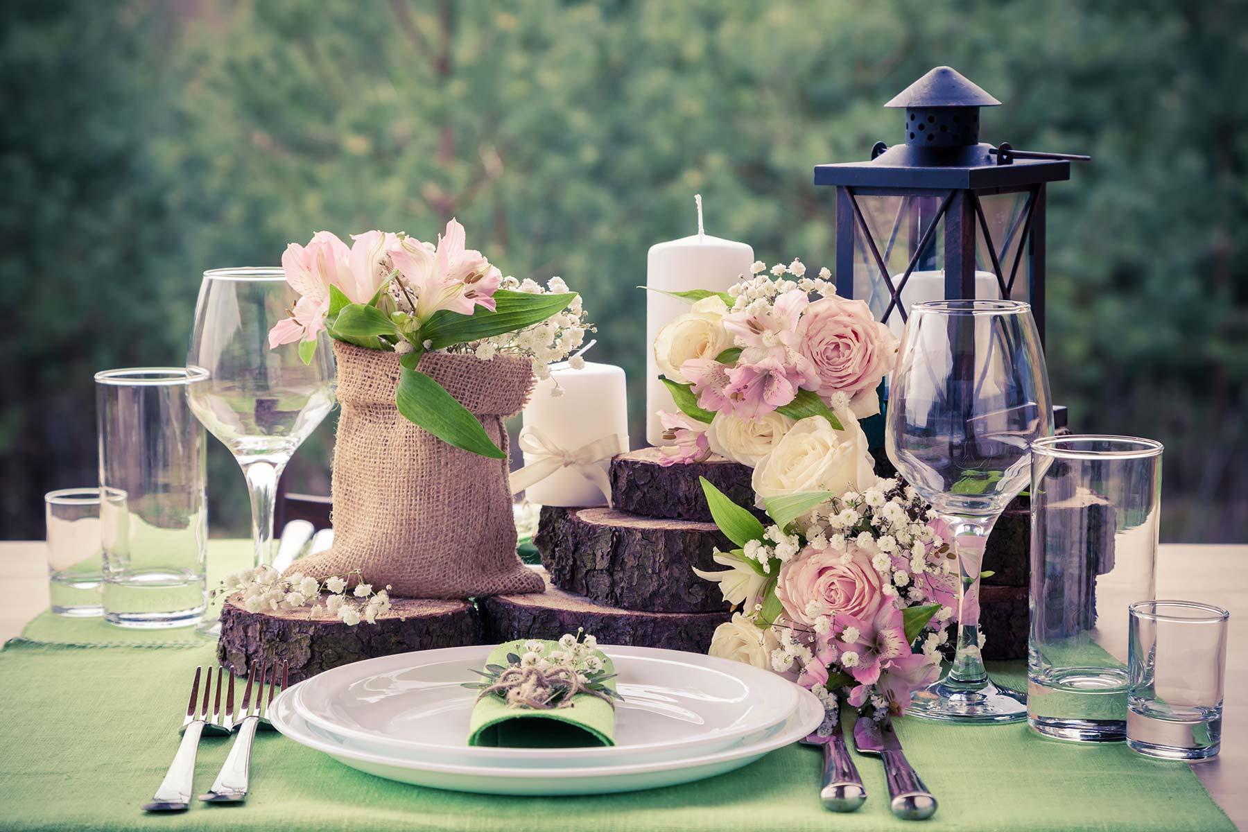 Baumscheiben Fur Die Tischdeko Bei Der Hochzeit Hier Findet Ihr Sie