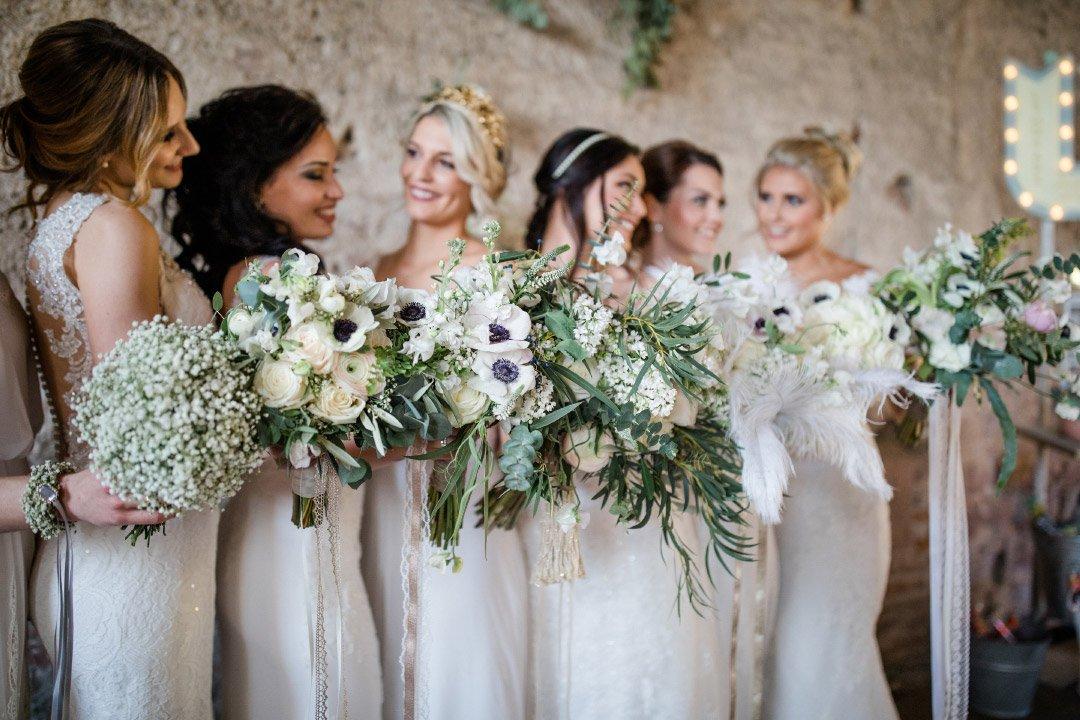 Bräute mit Brautsträuße beim Brautshooting 2018