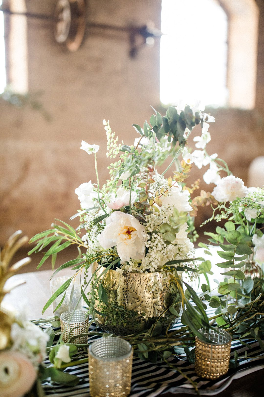 Hochzeitstafel in grün und weiß