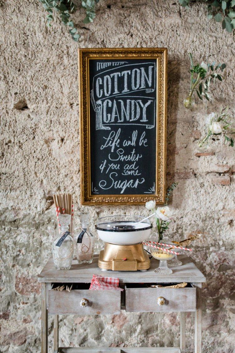 Zuckerwatte-Bar bei der Hochzeit
