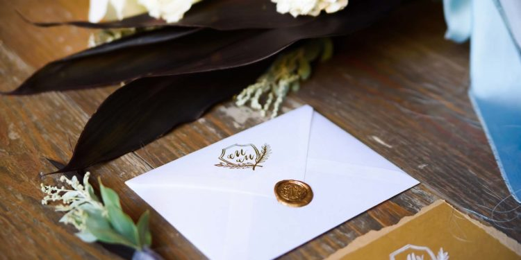 Papeterie zur Hochzeit gestalten lassen oder fertige Karten nehmen?