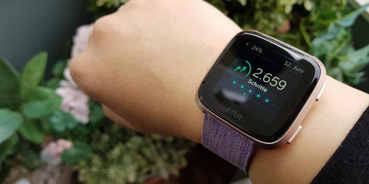 Erfahrungsbericht Fitbit Versa: So einfach könnt ihr eure Leistungen messen