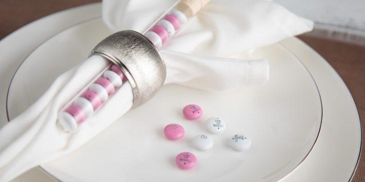 My M&M's® im Reagenzglas als personalisiertes Gastgeschenk zur Hochzeit