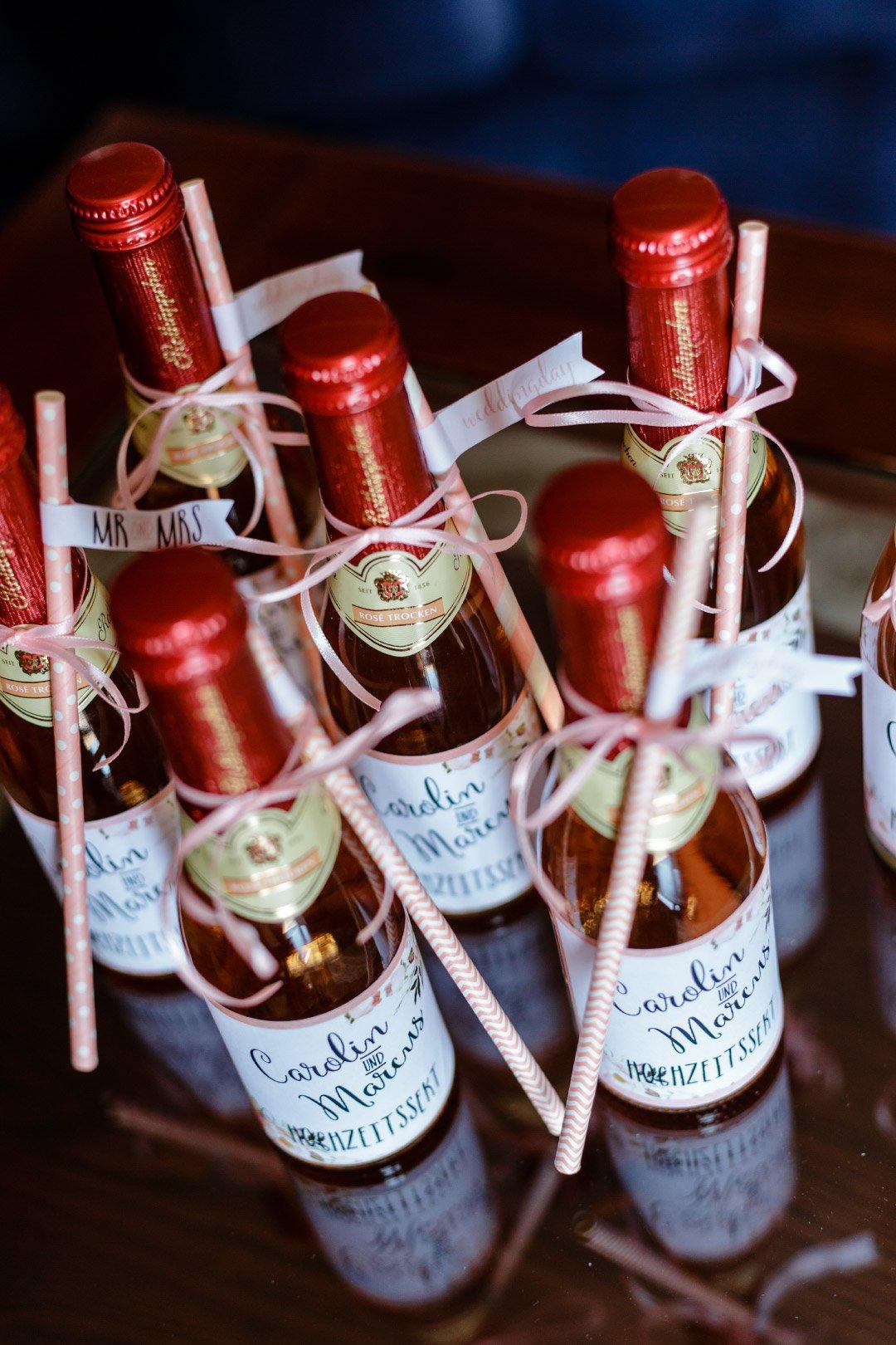 Personalisierter Hochzeitssekt am Tag der Hochzeit