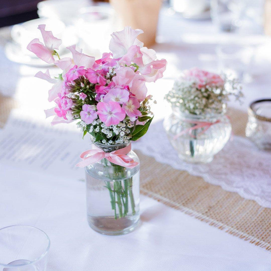 Vintage Tischdeko bei der Hochzeit von Carolin und Marcus