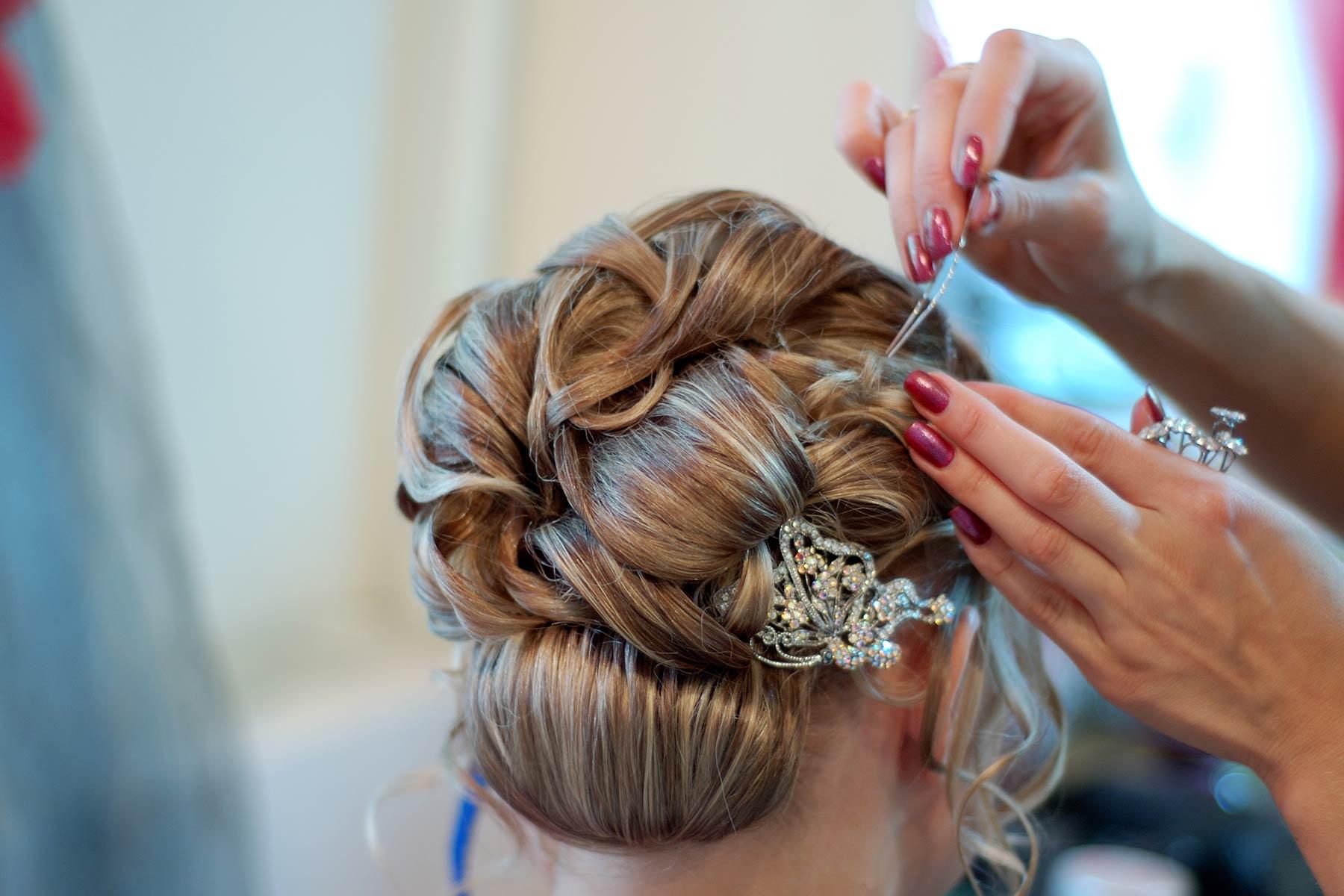 Hochzeitsfrisur: Übersicht für die perfekte Frisur am Tag der Hochzeit