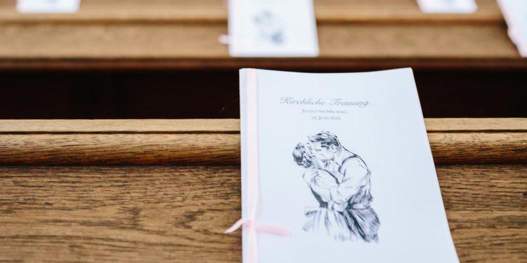 Kirchenheft zur Hochzeit: Alles was du dazu wissen musst