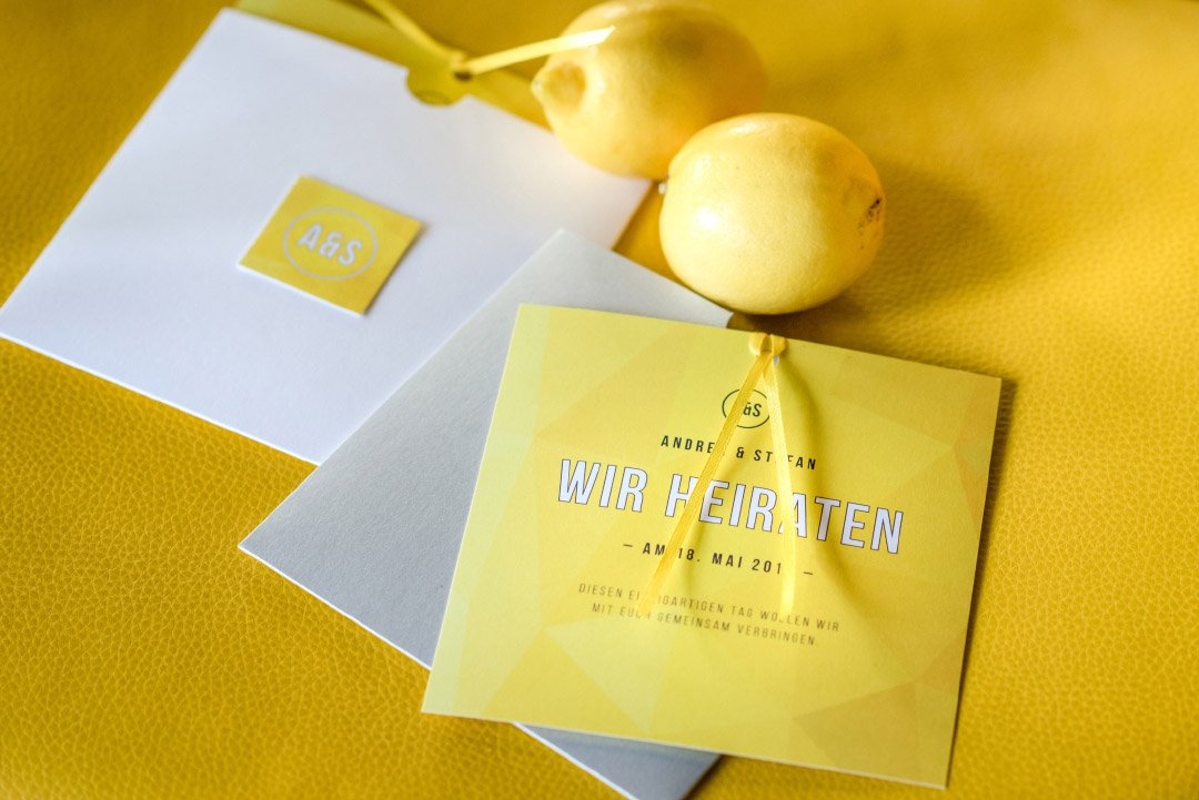Papeterie zur Hochzeit in Gelb und Weiß