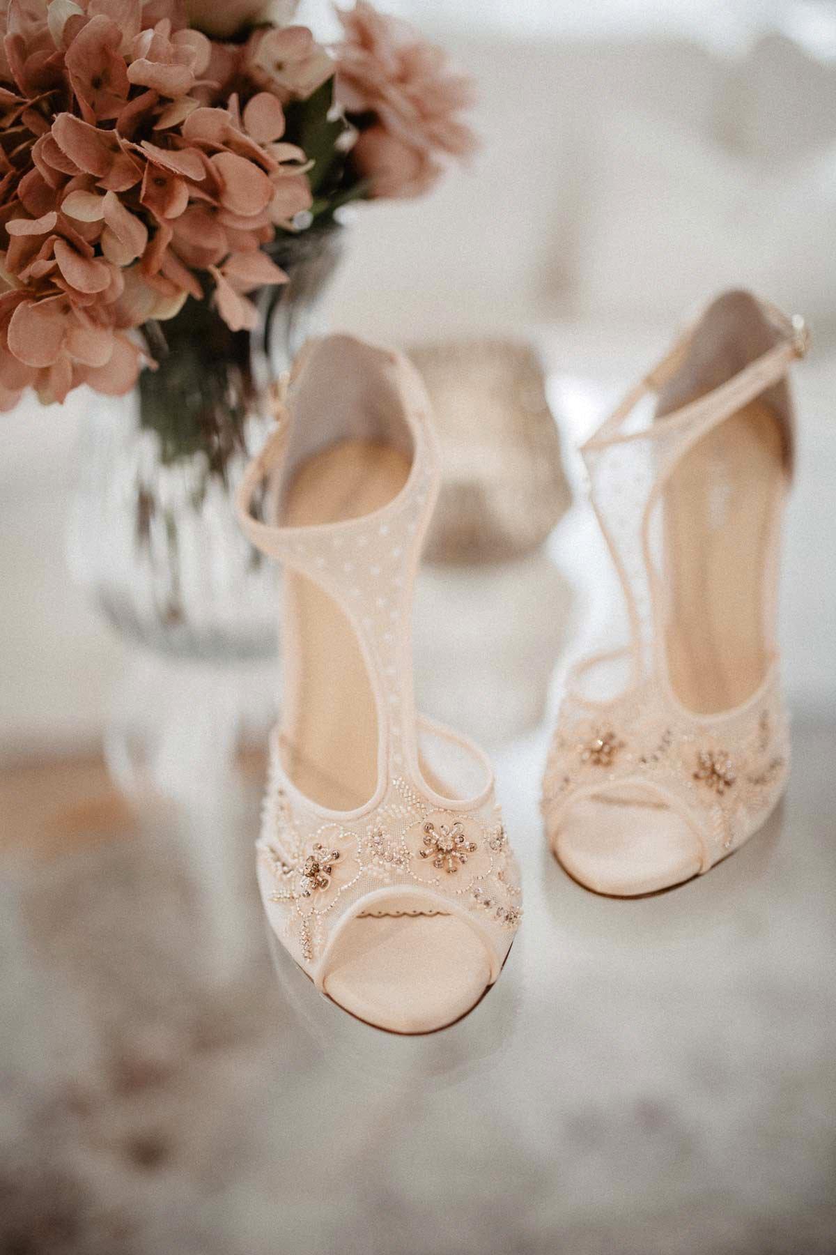 Hübsche Schuhe für die Braut