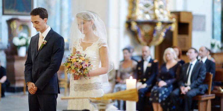 Wie viel kostet die kirchliche Trauung? Wir verraten es euch!shu