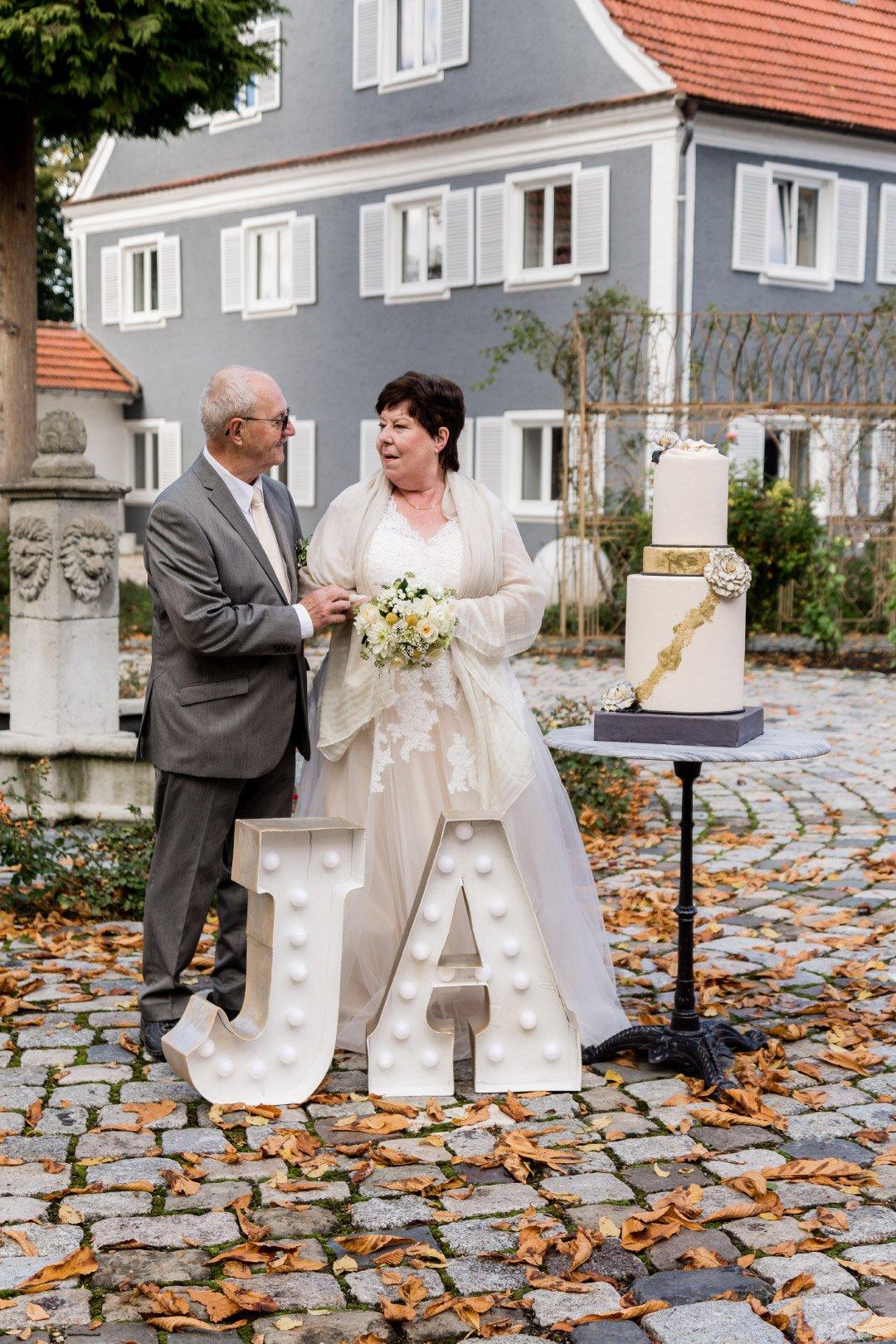 Goldene Hochzeit: After-Wedding-Fotoshooting zum 17. Hochzeitstag
