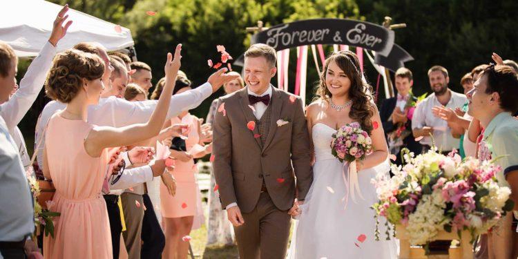 Hochzeitsrede: Diese Tipps solltet ihr bei der Rede am Tag der Hochzeit beachten