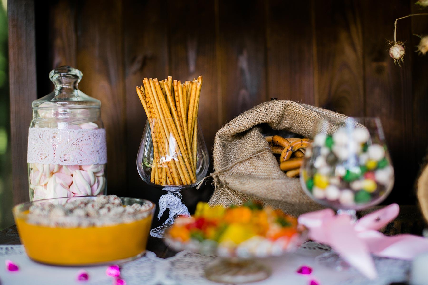 Salty Bar in Kombination mit einer Candybar bei der Hochzeit